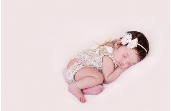 Newborn-Photographer-in-Durbanville