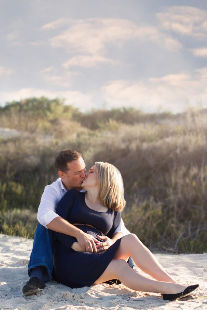 maternity-shoot-on-the-beach