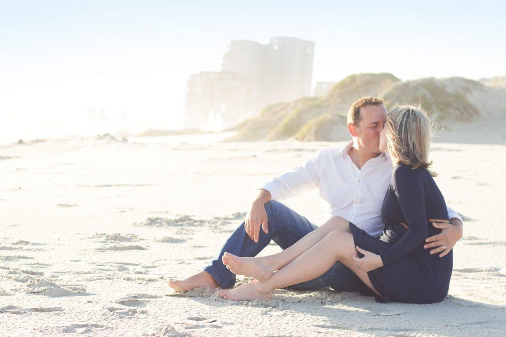 maternity-shoot-on-the-beach